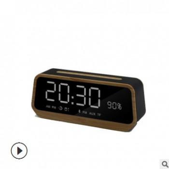 新款蓝牙音箱 LED闹钟小音箱 无线桌面音响 时钟音响 TF卡小音响